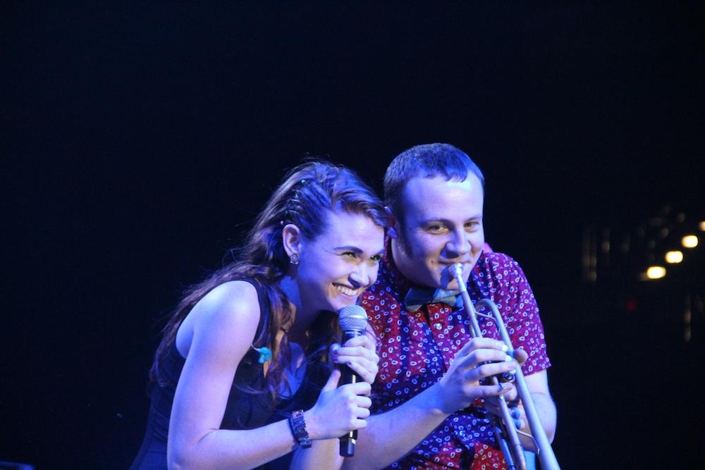 Misterwives' Mandy Lee singing alongside Jesse Blum, the Misterwives' trumpeter.